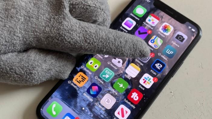 新专利:未来 Iphone 或可以戴着手套使用