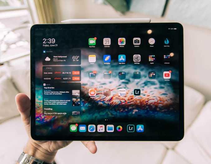 日媒:苹果因供应紧缺将推迟 MacBook 和 iPad 生产