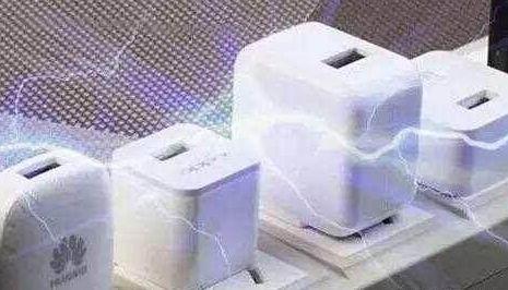 充电器在不工作时,插在插座上会耗电吗?